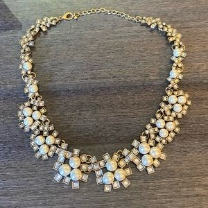 2/$20 Pearls and crystals necklace